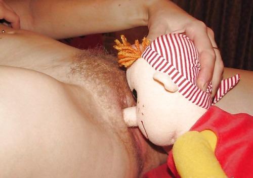 Duże dziewczynki też bawią się lalkami